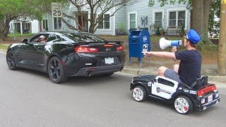 �������� ���� Pulling Cars Over Using A Toy Police Car ������