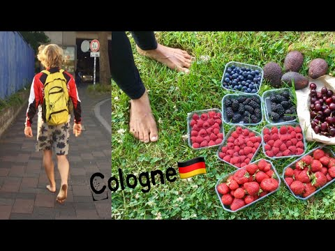 Fruitarian and BAREFOOT in Germany 🙆