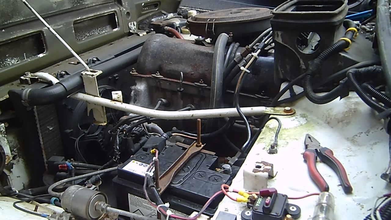 Lada Niva 1.7i engine - YouTube