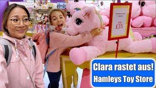 Clara shoppt im größten Spielzeugladen 😳 Ausgerastet im Hamleys & China Town London | Mamiseelen
