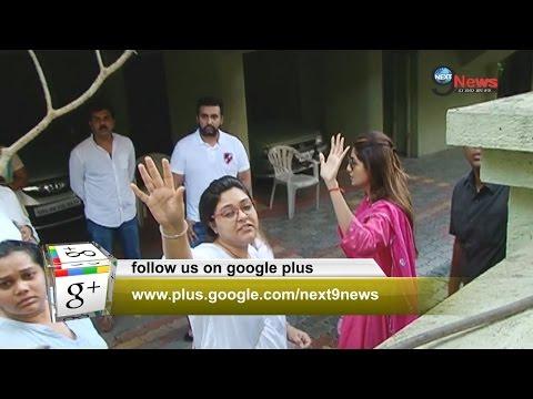 शिल्पा के पिता के निधन पर शोक मे डूबा बॉलीवुड |Shilpa Shetty In Pain