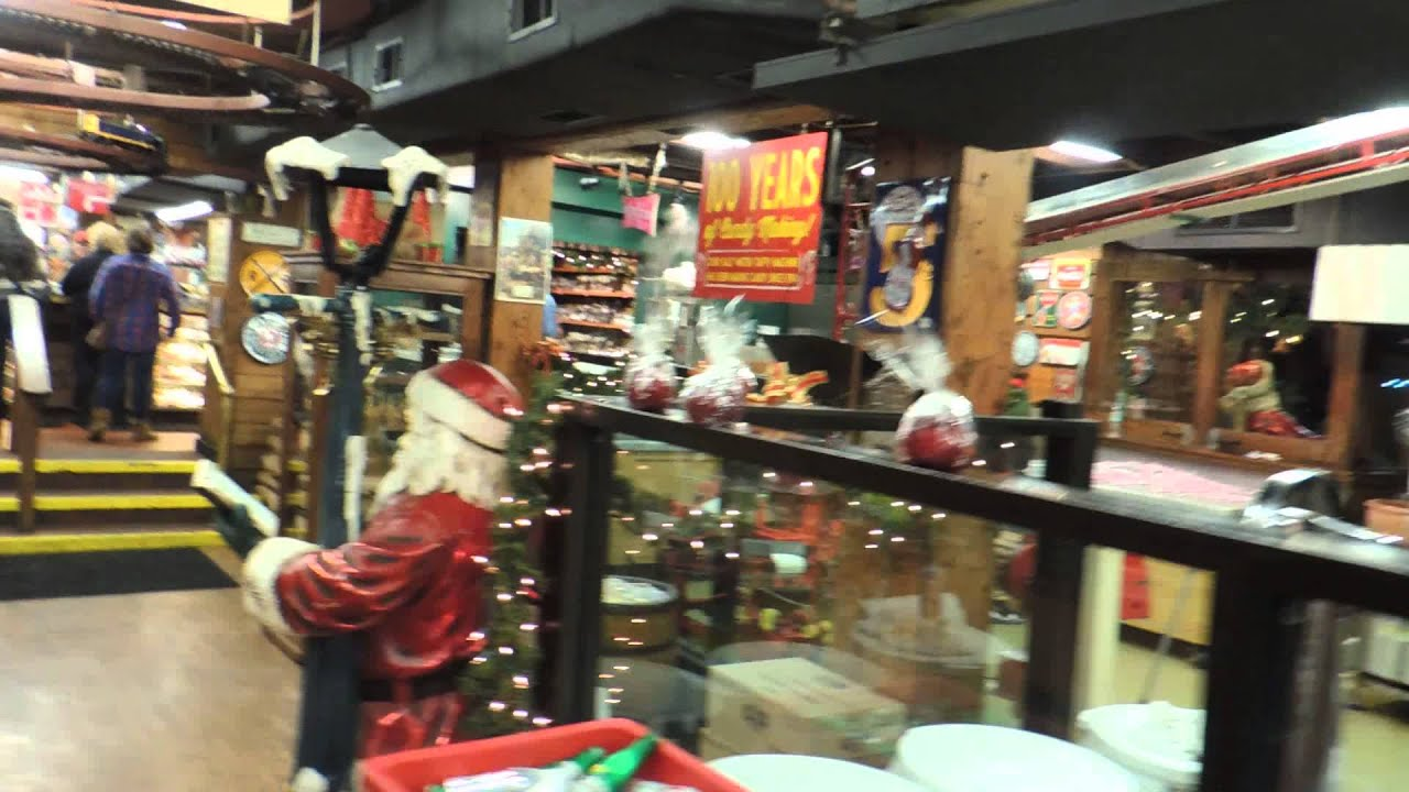 INSIDE THE SAVANNAH\'S CANDY KITCHEN - YouTube