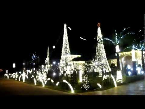 Magnificent Christmas Decorated House with Musical Lights