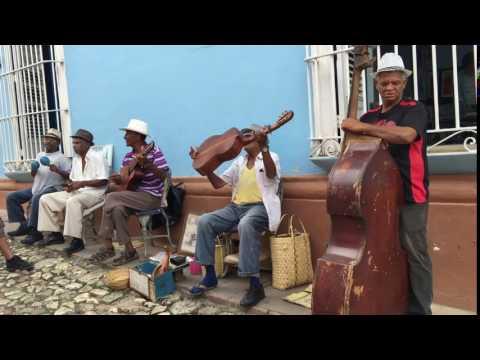 Cuban street musicians playing in Havana