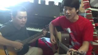 Nhạc sĩ Nguyễn Duy Hùng hướng dẫn Tùng Jazz đệm bài Triệu Đoá Hồng-12hMusicSchool:0906.177 176