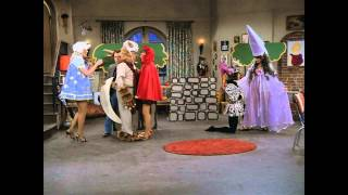 Laverne & Shirley - Mother Goose Land