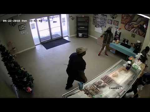 Video shows armed robbery at donut shop near Dillard: NOPD