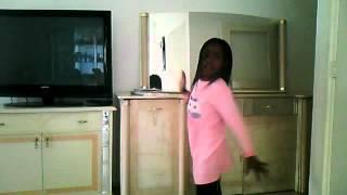 Regina danst yeah yeah yeah