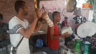 التجارة الموسمية في عاشوراء.. سوق مفتوح ومنافسة في أجواء المرح