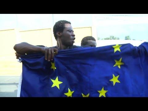 Frontière Maroc - Espagne, plus de 100 migrants entrent de force à Ceuta
