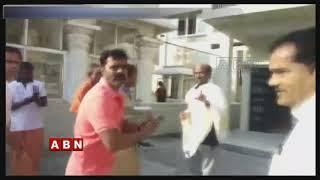 Super Kanth Rajinikanth on a Spiritual Pilgrimage to the Himalayas
