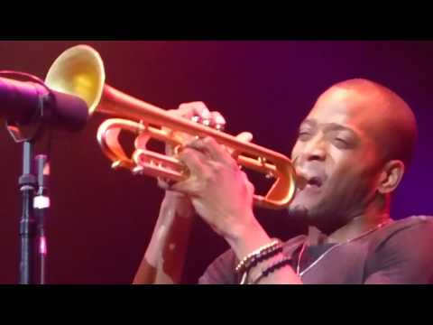 Trombone Shorty & Orleans Avenue - Here Come the Girls [Ernie K-Doe cover] (Houston 09.19.17) HD