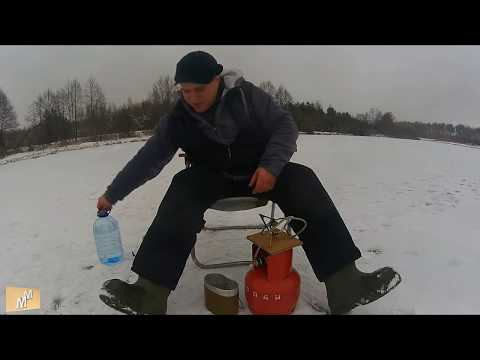 На рыбалке замерзает газовый баллон