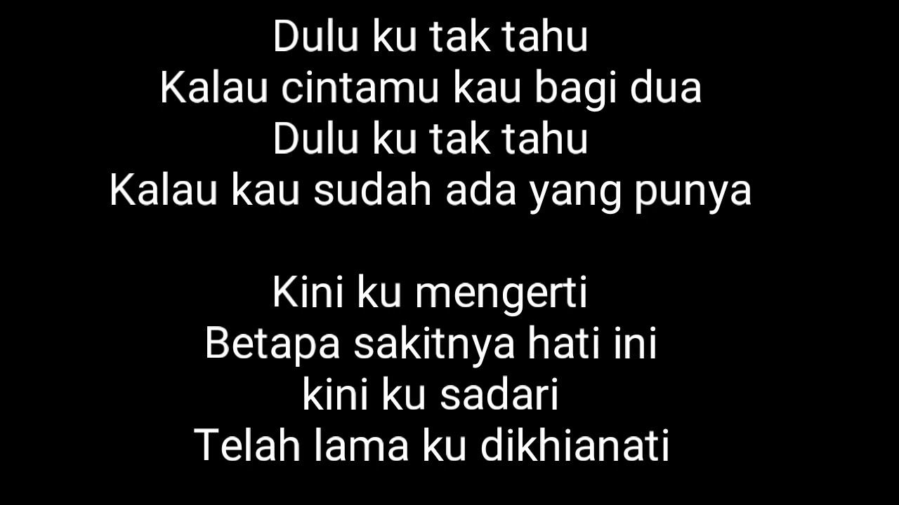 Lirik Lagu Lelah Mengalah Cover Alyssa Dezek Youtube