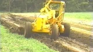 Repeat youtube video How to clean a road ditch with a motor grader