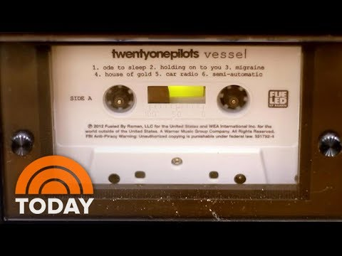 Hit-Rewind-Cassettes-Are-Making-A-Comeback-TODAY