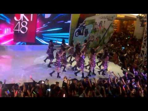 JKT48 - JKT48  (Live Royal Plaza Surabaya 2015.01.25)