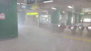 20160914 莫蘭蒂颱風@新店捷運站