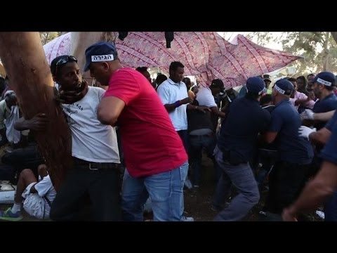 Israel: African migrants clash with police.
