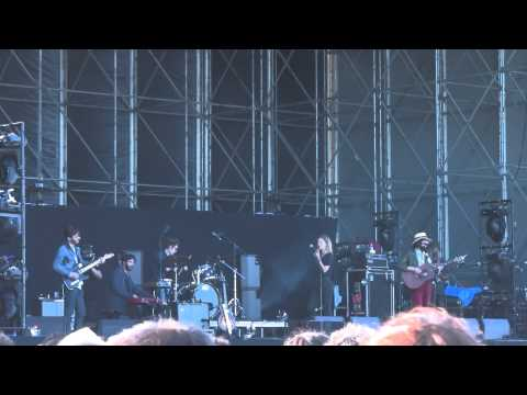 ADAM GREEN & BINKI SHAPIRO - Don't ask for more / What's the reward (live! Primavera Sound 2013)
