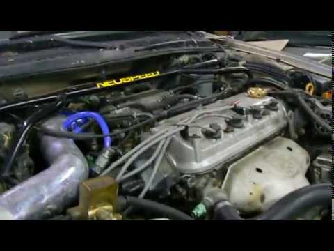 Cold Start of a Honda F22 VTEC engine in a junk Accord - YouTube