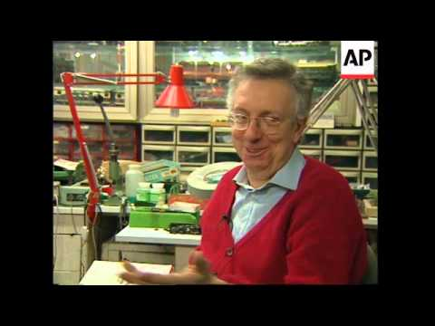ITALY: ANTIQUE MODEL TRAIN COLLECTION IS WORTH 3 MILLION DOLLARS