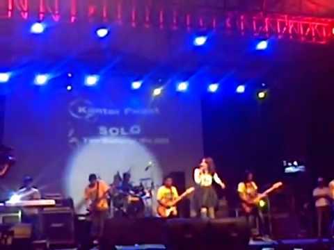 Dangdut Koplo Hot Via Vallen Terbaru 2015 - Pelet Cinta Live Lap  Gawanan Colomadu