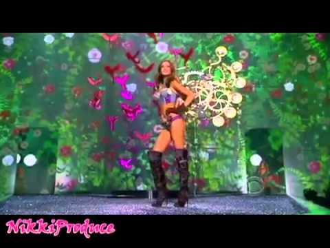 Miranda Kerr - Fashion Shows