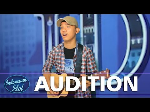 NYANYIKAN LAGU BATAK - Kontestan asal medan ini buat juri terharu - Audition Indonesian Idol 2018