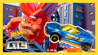 CRAZY DINOSAUR DEBACLE! | Hot Wheels City | Hot Wheels