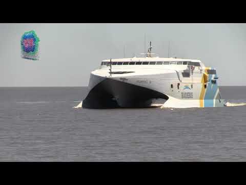 Buquebus podría comenzar a operar el 3 de agosto Colonia - Buenos Aires
