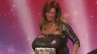 Video Woman crushes objects using her breasts download MP3, 3GP, MP4, WEBM, AVI, FLV Maret 2018