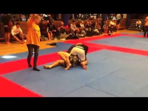 GTTG 2012 Tom Oakes 2nd fight