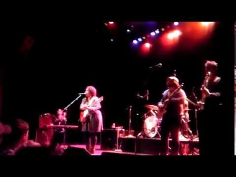 2012-03-10 - The Alabama Shakes - 'Encore' -The Pabst Theater - Milwaukee.mp4