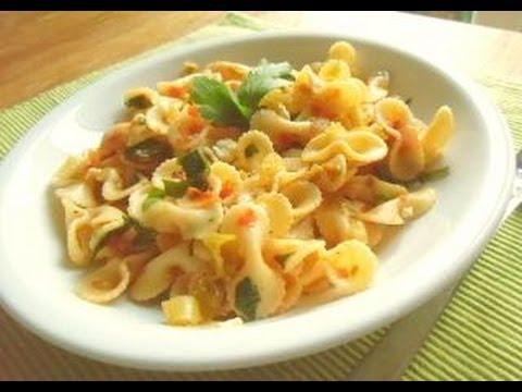 t rkisch pasta mit gem se vegetarisch leicht und richtig lecker nudelgericht pastagericht. Black Bedroom Furniture Sets. Home Design Ideas