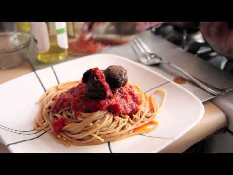 Olive Garden's Spaghetti and Meatballs Recipe – Vegan – Vegetarian