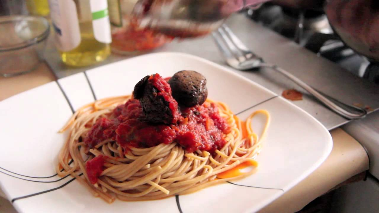 Olive Garden 39 S Spaghetti And Meatballs Recipe Vegan Vegetarian Youtube