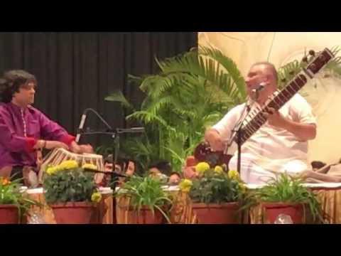 Ustad Shujaat Khan performs LIVE at Swami Tansen Haridas Mahotsava enthralling 5000 people