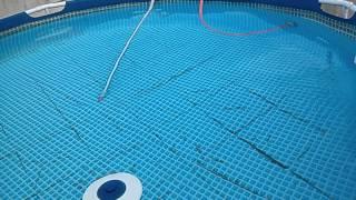 Como aspirar sem drenar e limpar a água da piscina (FÁCIL) inflável ou de montar da Intex