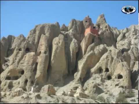 Upper Mustang Trekking in Nepal -  Photo Guide