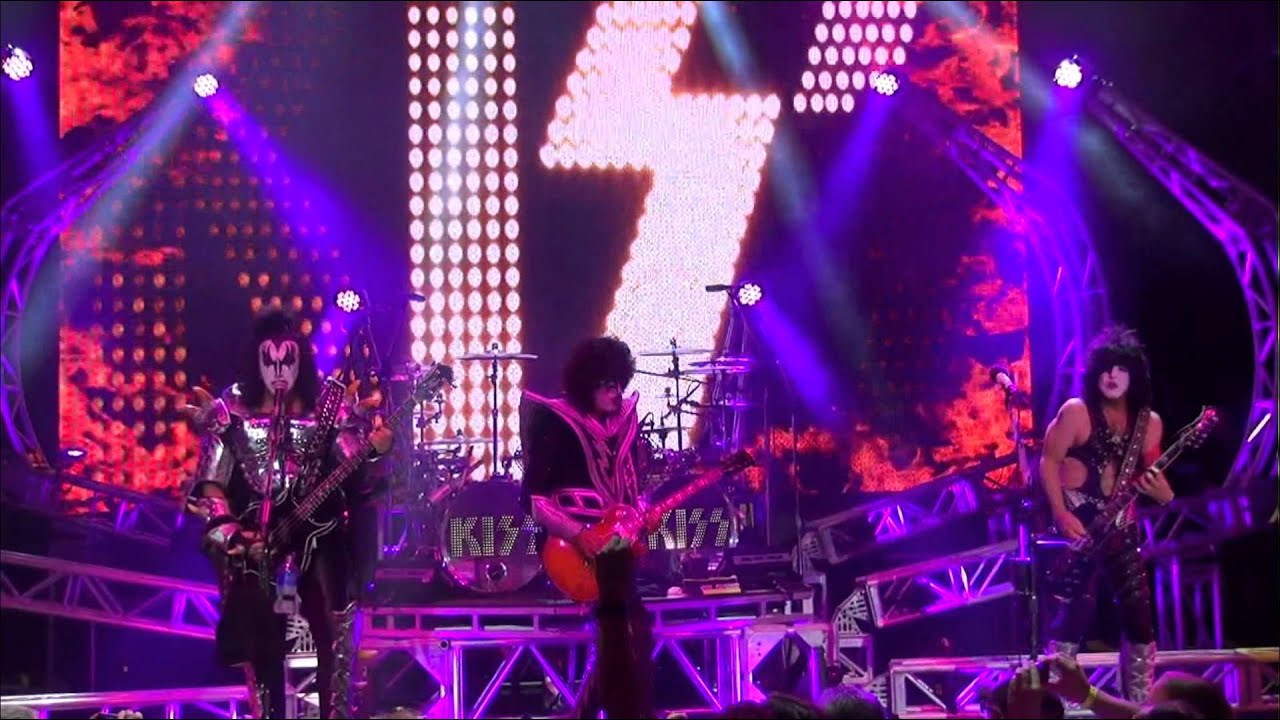 KISSONLINE EXCLUSIVE: KISS Let Me Know on KISS KRUISE III