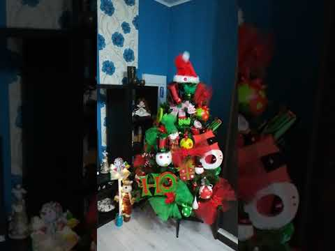 44034796a414f Dancing Christmas tree - YouTube