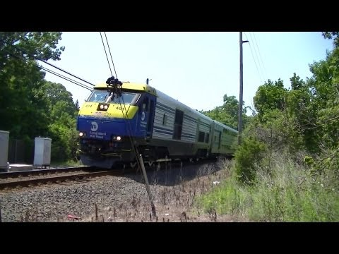 LIRR: Midday Rush On a Seriously Hot Afternoon @ Bayport