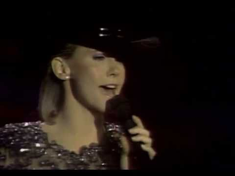 Olivia Newton-John - If You Love Me,Let Me Know (live) Mp3
