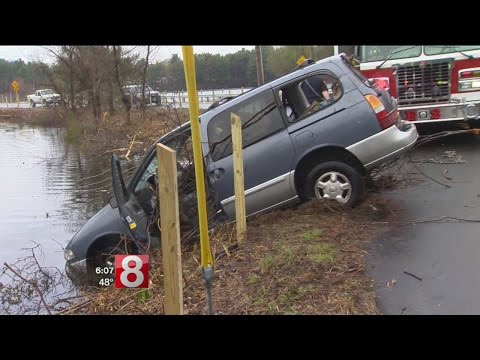 Safety concerns after van plunges into Lake Whitney