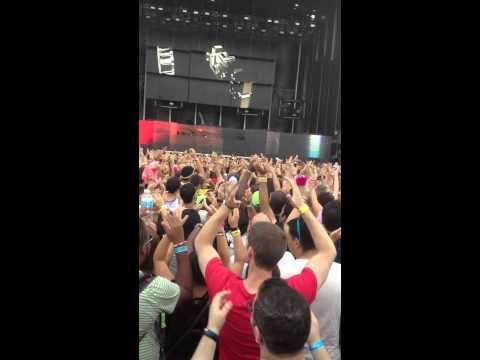 Ezoo 2012 Dash Berlin Raise Your Weapon Remix