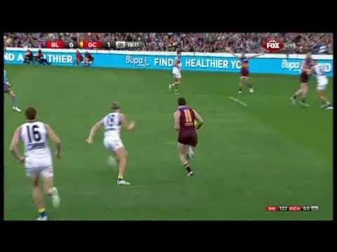 Pearce Hanley shows some wheels! - AFL