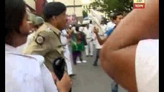 sfi dyfi clash with police at ajc bose road