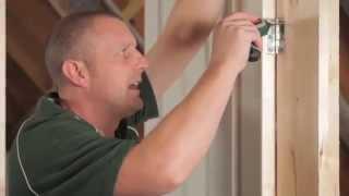 Domácí opravy dveří s Bosch IXO 4