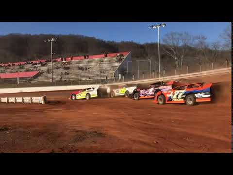 Clay Valley Speedway. - dirt track racing video image